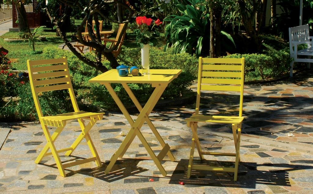 Bistro Set Yellow Painting